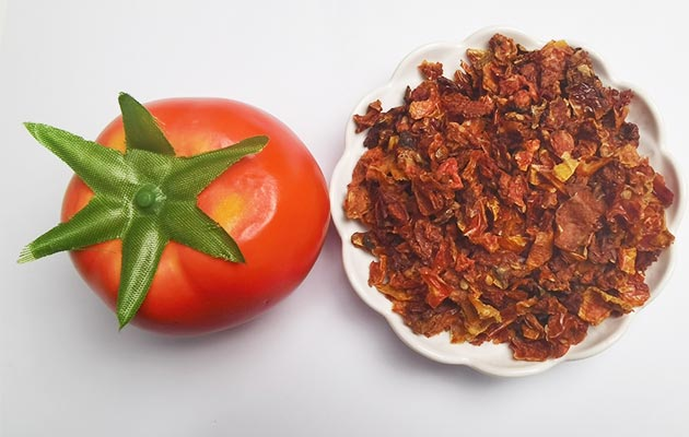 Dried Tomato Chips Flakes Factory Price